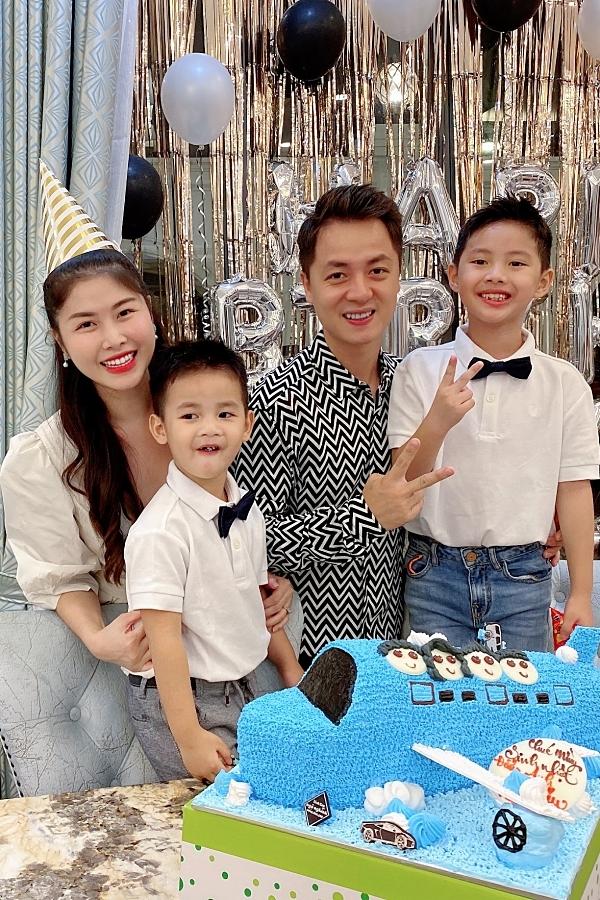 Đăng Khôi tổ chức sinh nhật cho con trai ở biệt thự mới
