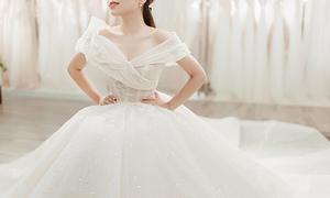 Váy cưới lấy cảm hứng từ đóa Calla nở rộ