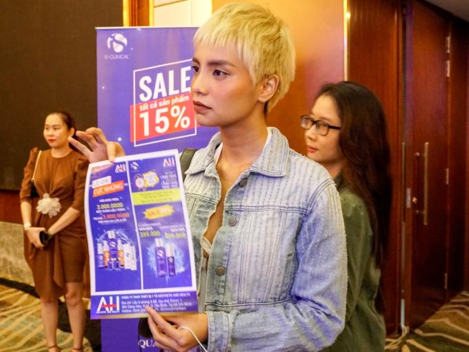 Bùi Linh Chi The Face quan tâm chương trình ưu đãi của iS Clinical Việt Nam dành cho các bạn trẻ.