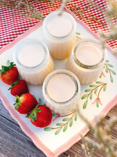Sữa chua vị dâu