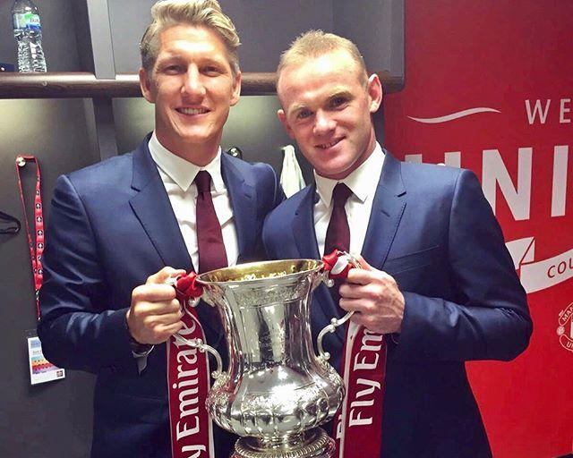 Schweinsteiger và Rooney