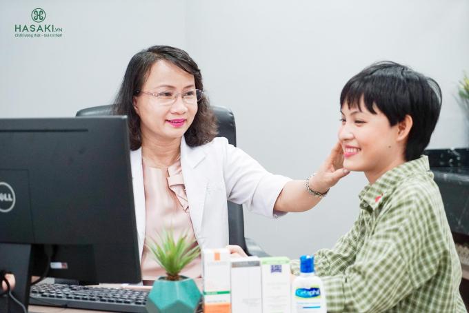 Hasaki Clinic & Spa với đội ngũ bác sĩ chuyên môn cao giúp giải quyết nhiều vấn đề về da cho khách hàng.