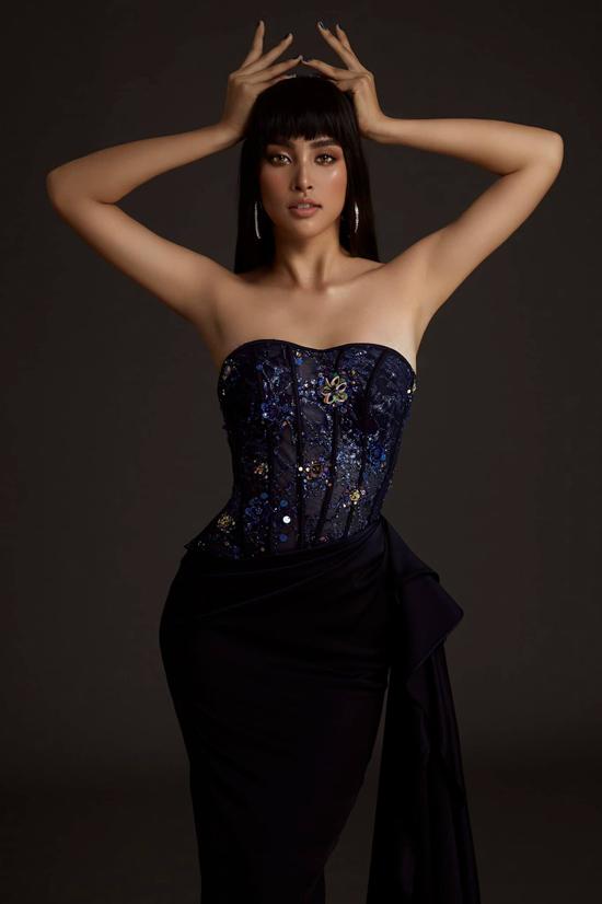 Những mẫu váy dạ hội với điểm nhấn độc đáo ở phần thân trên là áo corset của Đỗ Long được Tiểu Vy lựa chọn để tạo dựng phong cách mới.