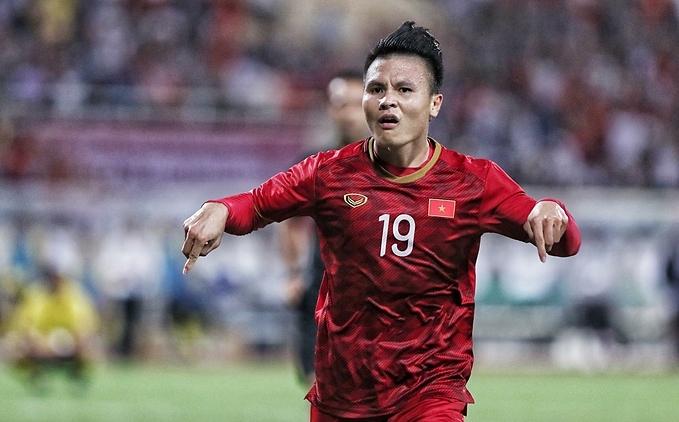 Niềm vui của Quang Hải sau khi ghi bàn mở tỷ số. Đây cũng là bàn đầu tiên của đội tuyển Việt Nam ở vòng loại World Cup 2022, sau trận hòa 0-0 ở ngày ra quân với Thái Lan.