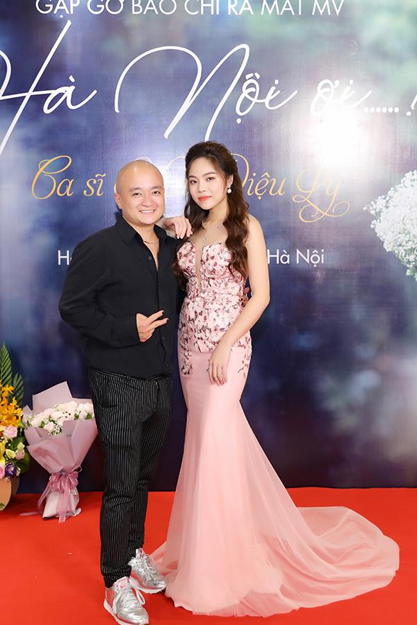 Mai Diệu Ly và nhà thiết kế Cao Minh Tiến.