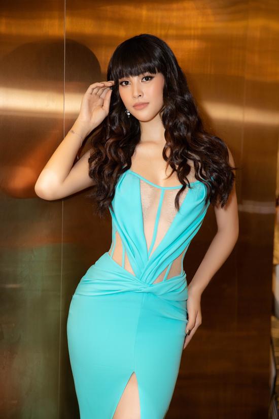 Góp mặt trên thảm đỏ của chương trình Ngoisao Beauty Expo 2019, hoa hậu Tiểu Vy gây bất ngờ với phong cách mới mẻ.
