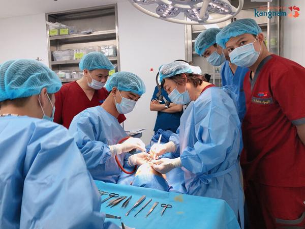 Ca phẫu thuật tại Bệnh viện Thẩm mỹ Kangnam.