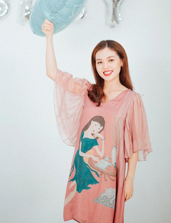 Vợ Quang Tuấn mang thai gần 4 tháng, vóc dáng chưa thay đổi nhiều.