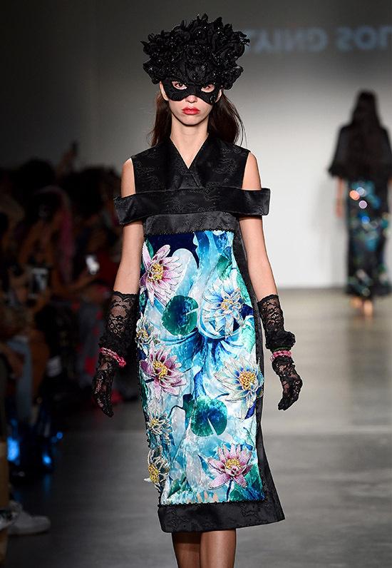 Thuỷ Nguyễn được mời tham gia một sự kiện thời trang tại Pier 59 Studios, New York Mỹ. Đây làđịa điểm thường tổ chức buổi trình diễn, giới thiệu thiết kế mớicủa những thương hiệu thời trang nổi tiếng thế giới như: Miu Miu, Victorias Secret, Vera Wang, Marc Jacobs...