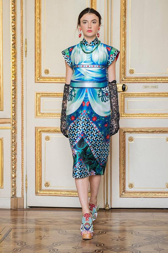 Thuỷ Nguyễn chia sẻ, chị xem hai buổi trình diễn ở Mỹ và Pháp như thử nghiệm để thăm dò thị hiếu của giới mộ điệu thời trang quốc tế với phong cách và các thiết kế mang nét văn hoá Việt. Chị mong muốnphát triển những thiết kế mang tính kết nối giữa thời trang quốc tế và văn hóa Việt Nam.