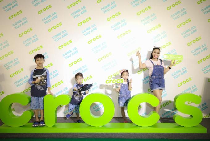 Nhung Gumiho và Ốc Thanh Vân tham gia sự kiện Crocs ra mắt 3 dòng sản phẩm mới, lý giải vì sao ai cũng nên sở hữu ít nhất 1 đôi đến từ thương hiệu này - xin edit - 7