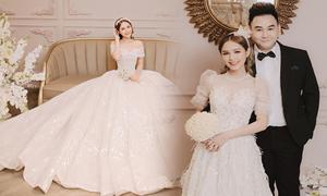 Cô dâu của 'hot streamer' Xemesis diện váy cưới nữ tính