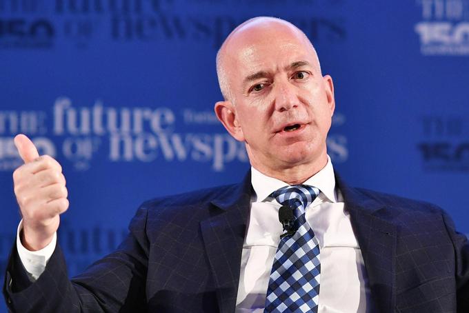 Jeff Bezos, người giàu nhất hành tinh. Ảnh: Variety.