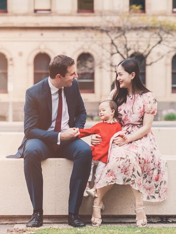 Lan Phương và chồng Tây David công khai tình cảm hồi tháng 1/2018. Bốn tháng sau, vợ chồng nữ diễn viên hạnh phúc đón con gái Lina chào đời. Lan Phương tiết lộ, cô đã đính hôn nhưng chưa có kế hoạch tổ chức đám cưới. Đối với chúng tôi, đám cưới chỉ là thủ tục mang tính hình thức. Điều quan trọng là cả hai khi chung sống luôn yêu thương, tôn trọng, chăm sóc và thủy chung với nhau, diễn viên Nàng dâu order bày tỏ.