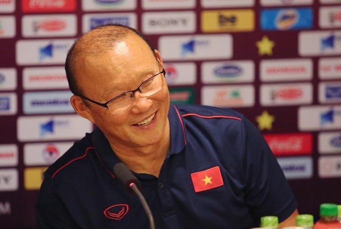 HLV Park Hang-seo vui sau chiến thắng Malaysia. Ảnh: Đương Phạm.