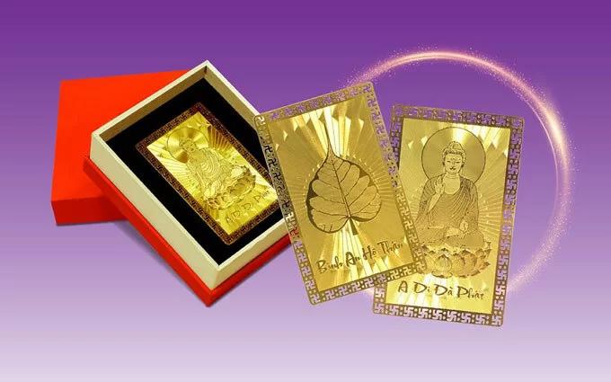 Hai thẻ Bình An mạ vàng của DOJI.