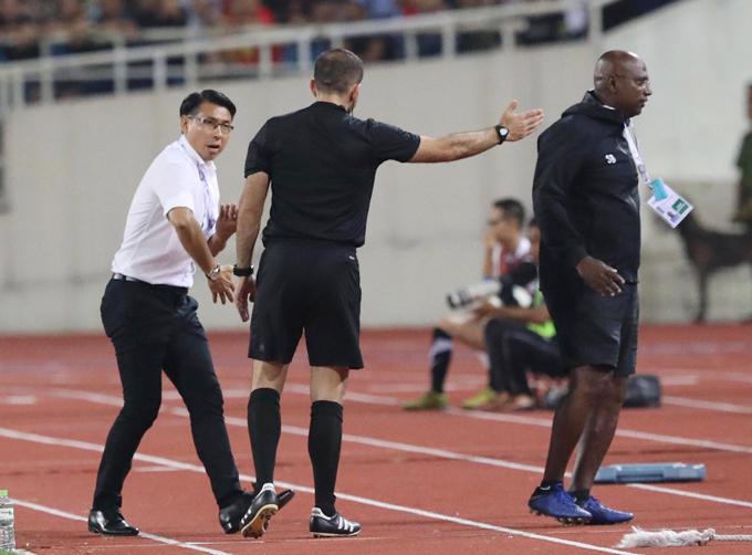 HLV Tan Cheng Hoe phản ứng với trọng tài