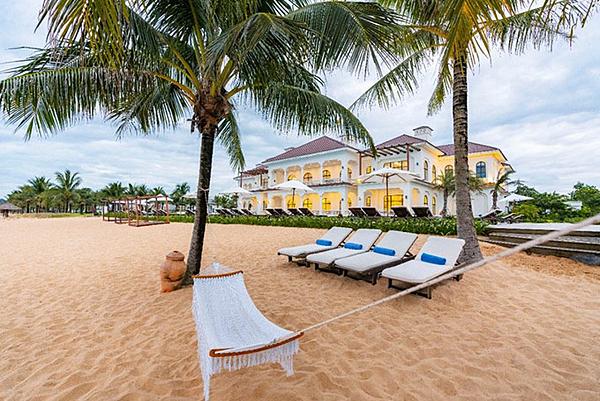 Các biệt thự biển ở Vinpearl Discovery 2 Phú Quốc đều sở hữu kiến trúc tân cổ điển hiện đại và sự khoáng đạt đặc biệt của vùng đảo nhiệt đới.