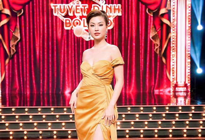 Diễm Trang tự tin với nhan sắc của gái một con. Cô được mời dẫn mùa đầu tiên chương trình Tuyệt đỉnh Bolero.