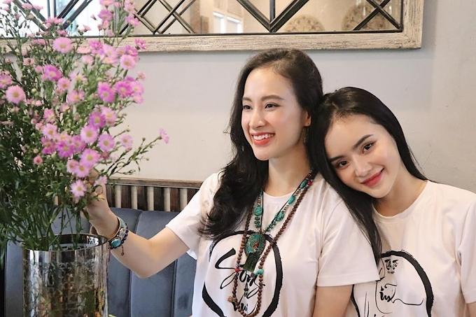 Hình ảnh đời thường của Angela Phương Trinh bên em gái Phương Trang.