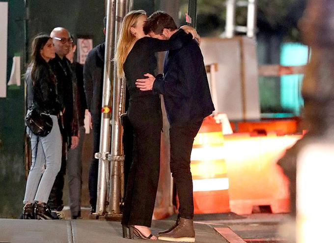 Cuộc tình mới có thể giúp Liam nhanh chóng quên đi mối quan hệ đầy ngọt ngào nhưng cũng không thiếu cay đắng kéo dài 10 năm với Miley.
