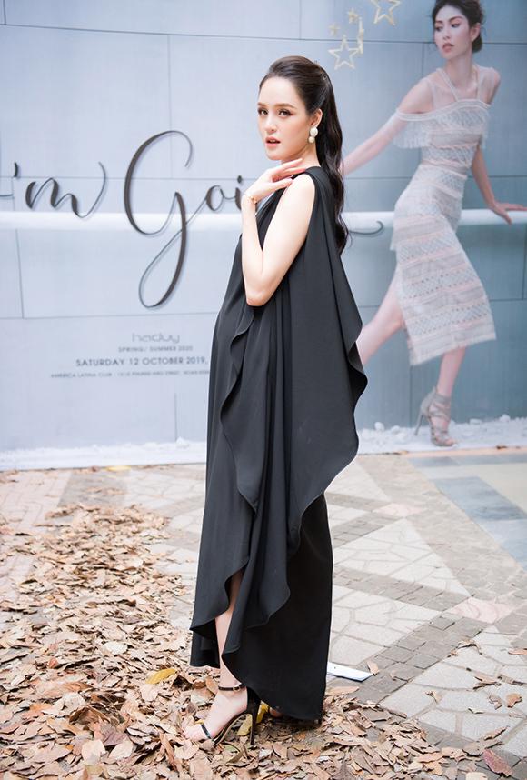 Phương Mai, Hoàng Anh đụng váy bầu ở show Hà Duy - 2