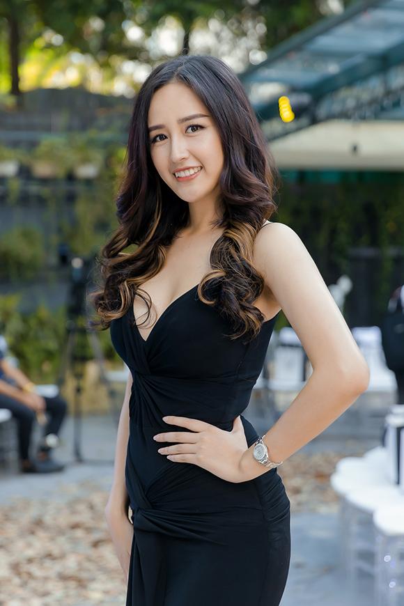 Phương Mai, Hoàng Anh đụng váy bầu ở show Hà Duy - 4
