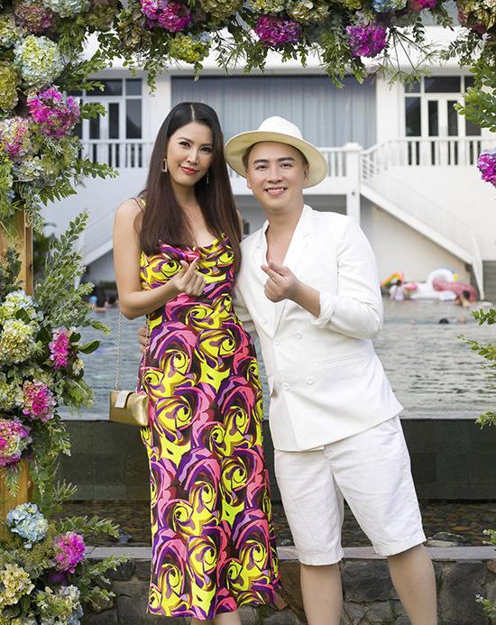 Á hậu Thanh Hoài là bạn thân lâu năm của Văn Thành Công.