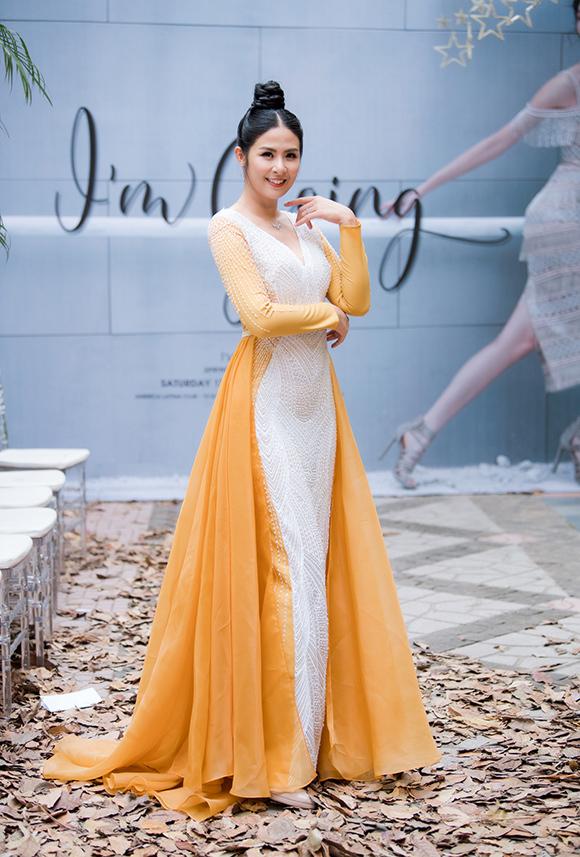 Phương Mai, Hoàng Anh đụng váy bầu ở show Hà Duy - 7