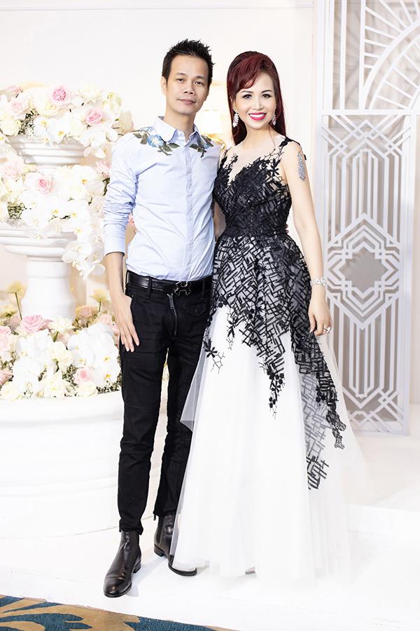 Nhà thiết kế Hoàng Hải và Hoa hậu Diệu Hoa.