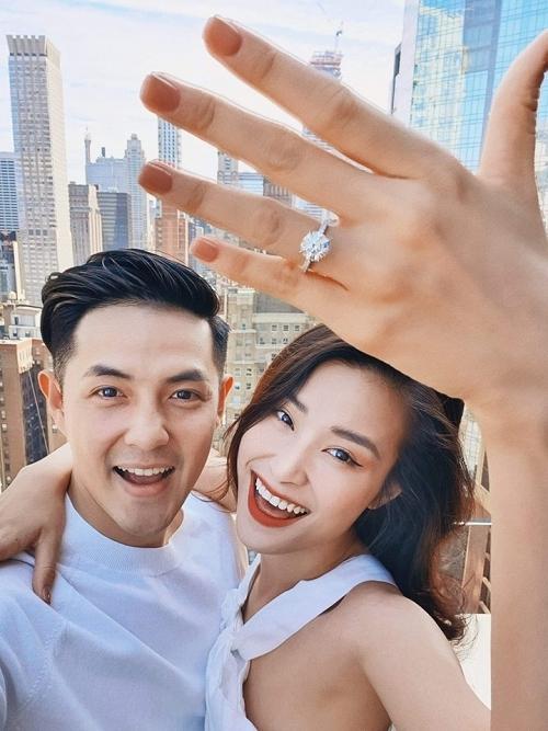 Đông Nhi, Ông Cao Thắng kết hôn vào tháng 11 - 1