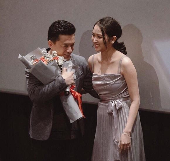 Cuộc hôn nhân của Yến Phương với Lam Trường như định mệnh bởi trước đám cưới 15 năm, họ từng gặp nhau nhưng theo cách đặc biệt: bà xã 9X đến xem anh Hai biểu diễn tại Mỹ và được nam ca sĩ bế trên tay để chụp ảnh.