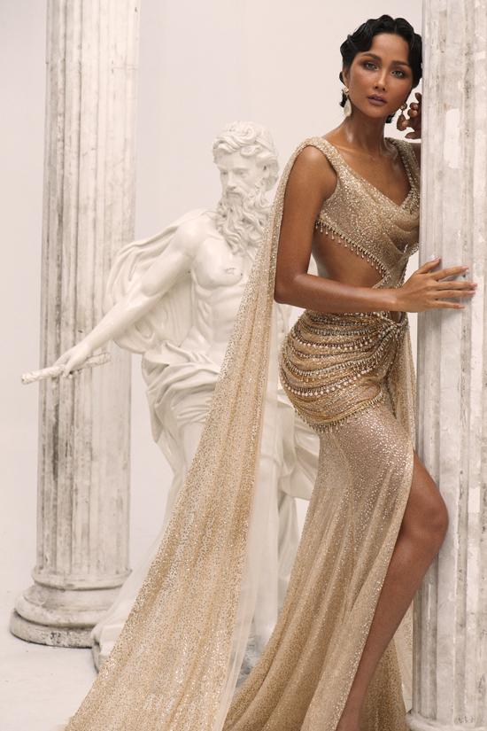 HHen Niê làm nữ thần trong thiết kế của Linh San - 1
