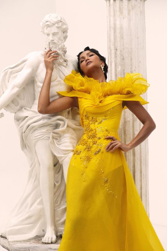 HHen Niê làm nữ thần trong thiết kế của Linh San - 6