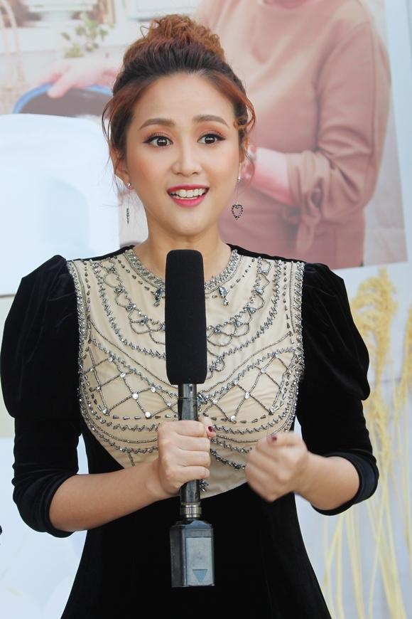 Phương Hằng trong sự kiện hôm 13/10.