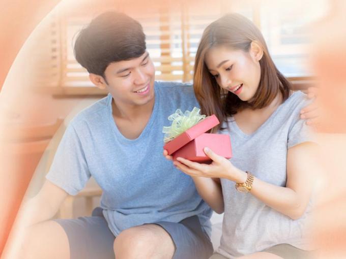 Tặng vợ món quà thanh xuân là gợi ý cho nhiều phái mạnh dịp 20/10.
