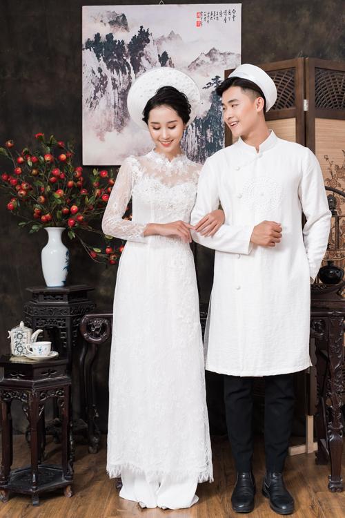 Chất liệu ren mềm mại, uyển chuyển có thể kết hợp nhiều loại vải, đem đến sự nữ tính, duyên dáng cho cô dâu.