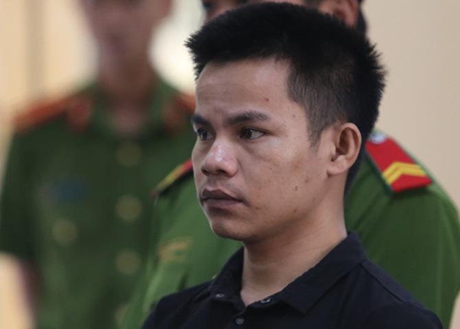 Phạm Tuấn bị tuyên phạm tội Giết người, Hiếp dâm, Cướp tài sản và Trộm cắp tài sản trong phiên tòa sơ thẩm xử kín ngày 15/10. Ảnh: Sơn Thủy.