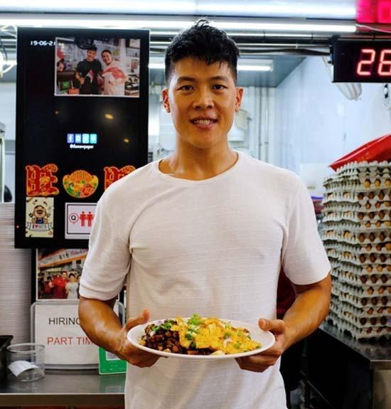 Quán của Walter phục vụ hủ tiếu cay và bánh cà rốt. Ảnh: Instagram.