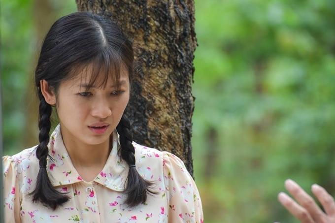 Oanh Kiều vai Phượng - con gái của Thị Bình.