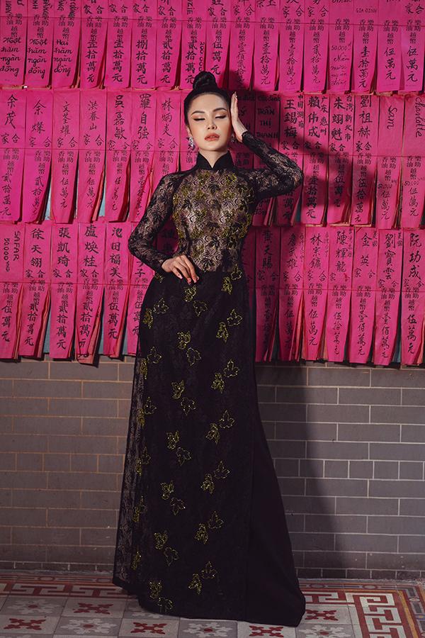 Lily Chen chia sẻ, cô thích thử nghiệm nhiều phong cách khác nhau để tránh nhàm chán với khán giả. Kể cả áo dài, cô cũng không bó buộc bản thân trong một kiểu thiết kế, màu sắc hay chất liệu nào.