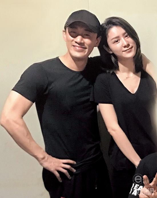 Lâm Phong và hôn thê Trương Hinh Nguyệt.