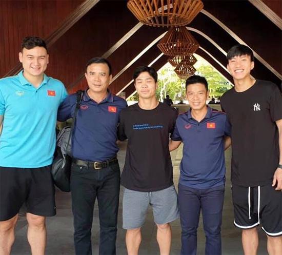 Văn Hậu, Công Phượng và thủ môn Văn Lâm bay về Hà Lan, Bỉ và Thái Lan để tập trung CLB chủ quản.