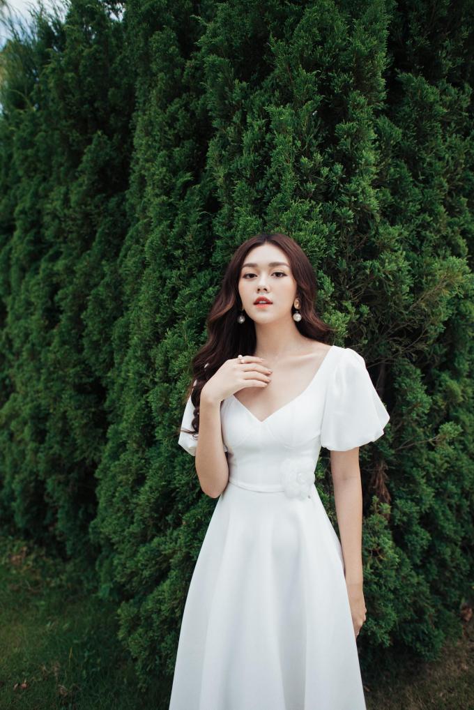 Á hậu Tường San với trang phục đậm chất nàng thơ cho ngày 20/10 (xin edit) - 1