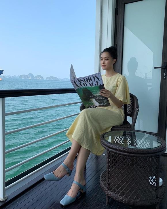 Hoa hậu Việt Nam 2008 tận hưởng cuộc sống bình yên bên gia đình ởLos Angeles, Mỹ, song song việc theo đuổi nghệ thuật tại Việt Nam.