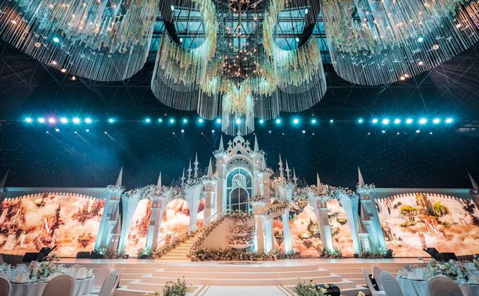 Uyên ương dựng lâu đài cho đám cưới khủng - 3