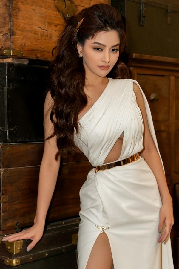 Sau 8 năm vắng bóng tập trung cho gia đình, Vũ Thu Phương hiện có nhiều hoạt động tái xuất, trong đó đảm nhậnvai trò giám khảo Hoa hậu Hoàn vũ Việt Nam 2019.