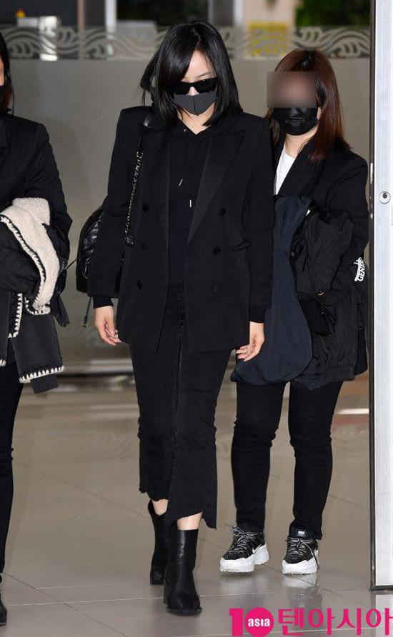 Trưởng nhóm f(x), Victoria về Hàn Quốc hôm 16/10.