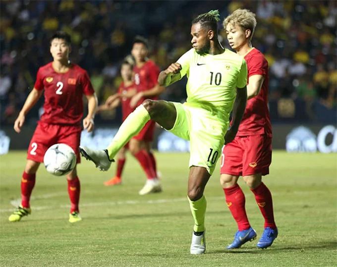 Curacao (áo xanh) là đội gần nhất đánh bại tuyển Việt Nam. Ảnh: Anh Khoa.