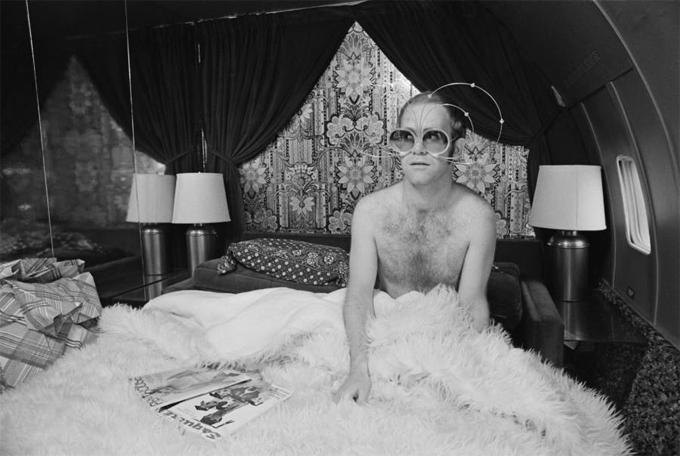Elton Johan trên sân khấu năm 1975. Ảnh: Iconic Images.